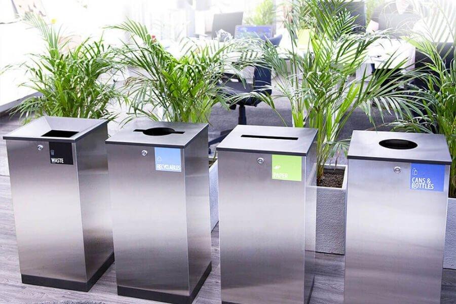 Cestini per la raccolta differenziata in ufficio